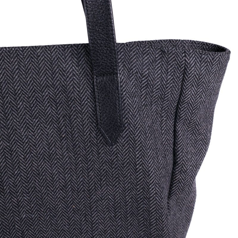 Gray Tote Bag, Detail